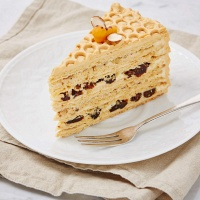 "Cake ""Honey cake with prunes"""